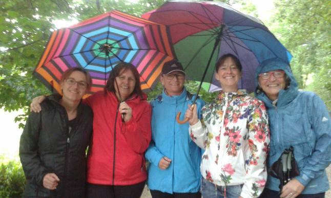 Walk & Pray - auch bei Regen wunderschön!        Das junge KDFB ist alles, aber nicht aus Zucker